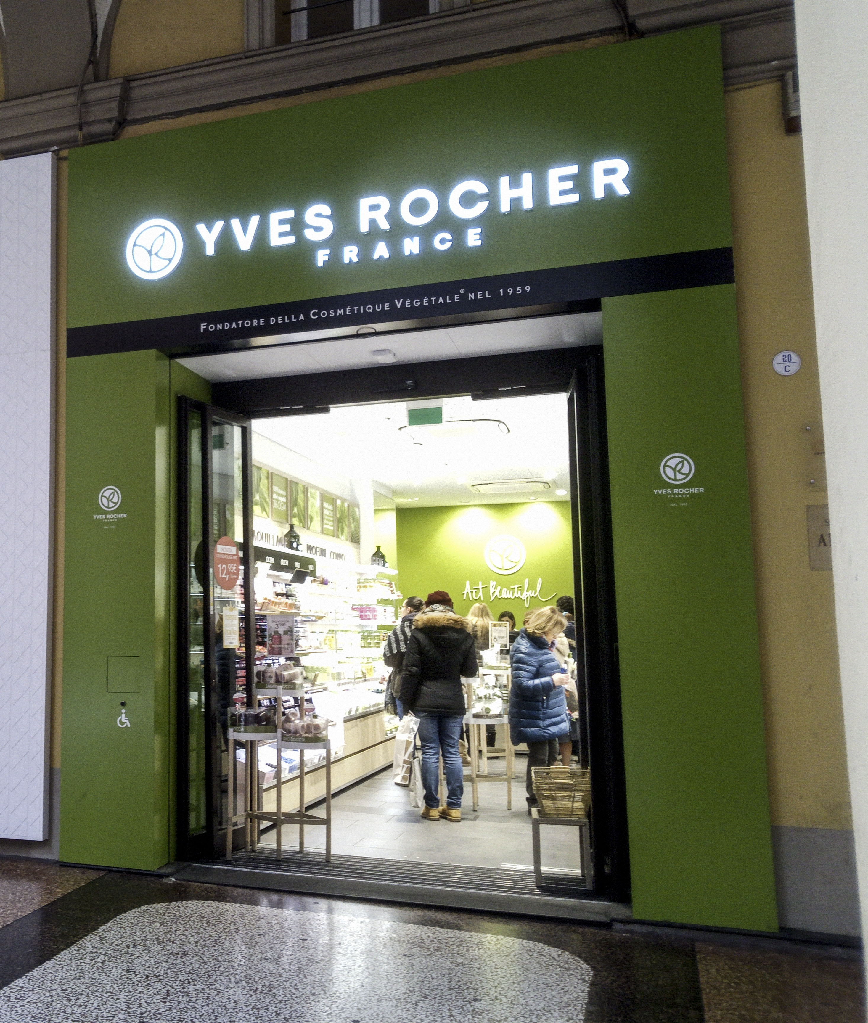 YVES ROCHER – FRANCE