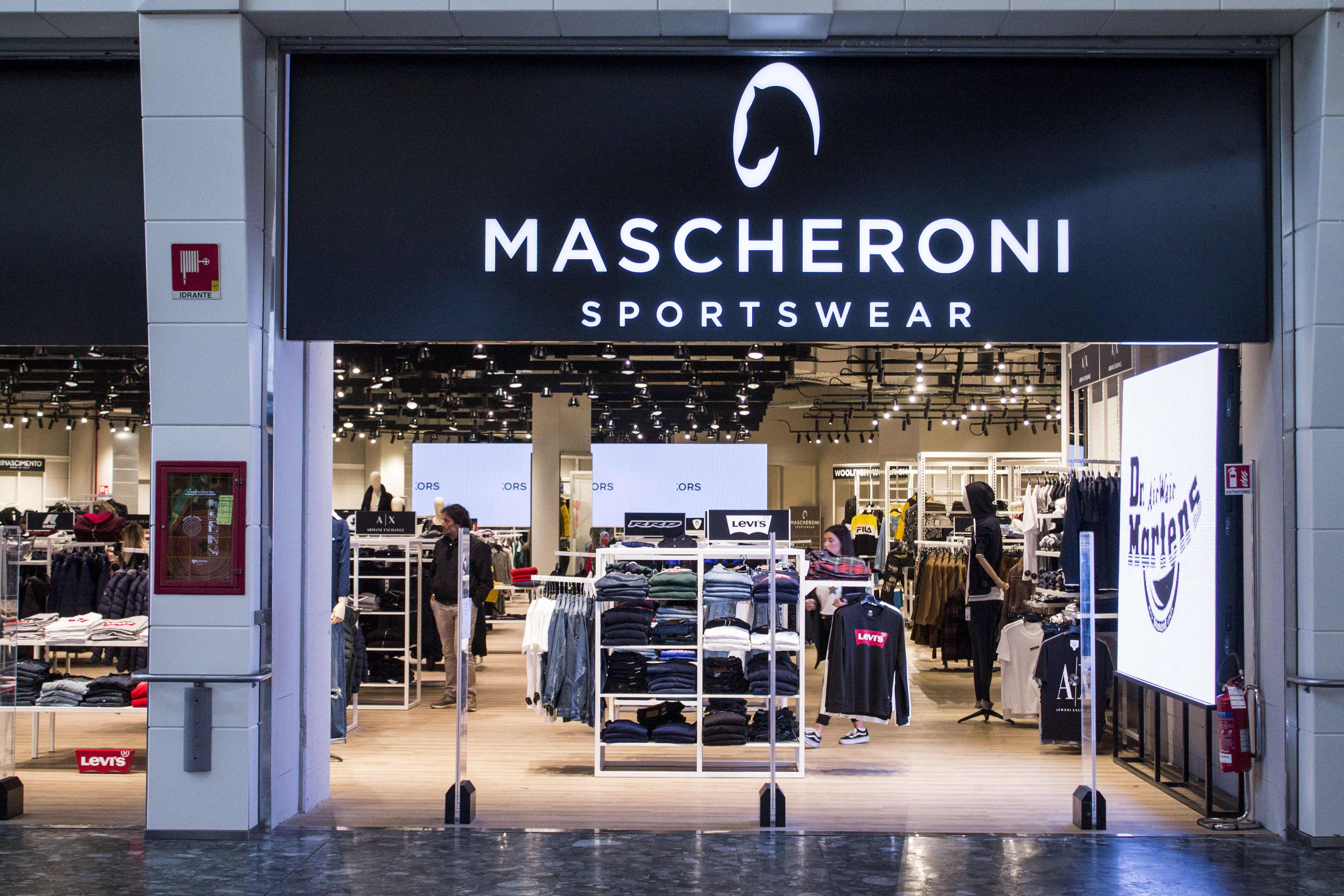 MASCHERONI SPORTS WEAR – LIMBIATE